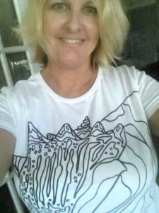 selfie conch tshirt